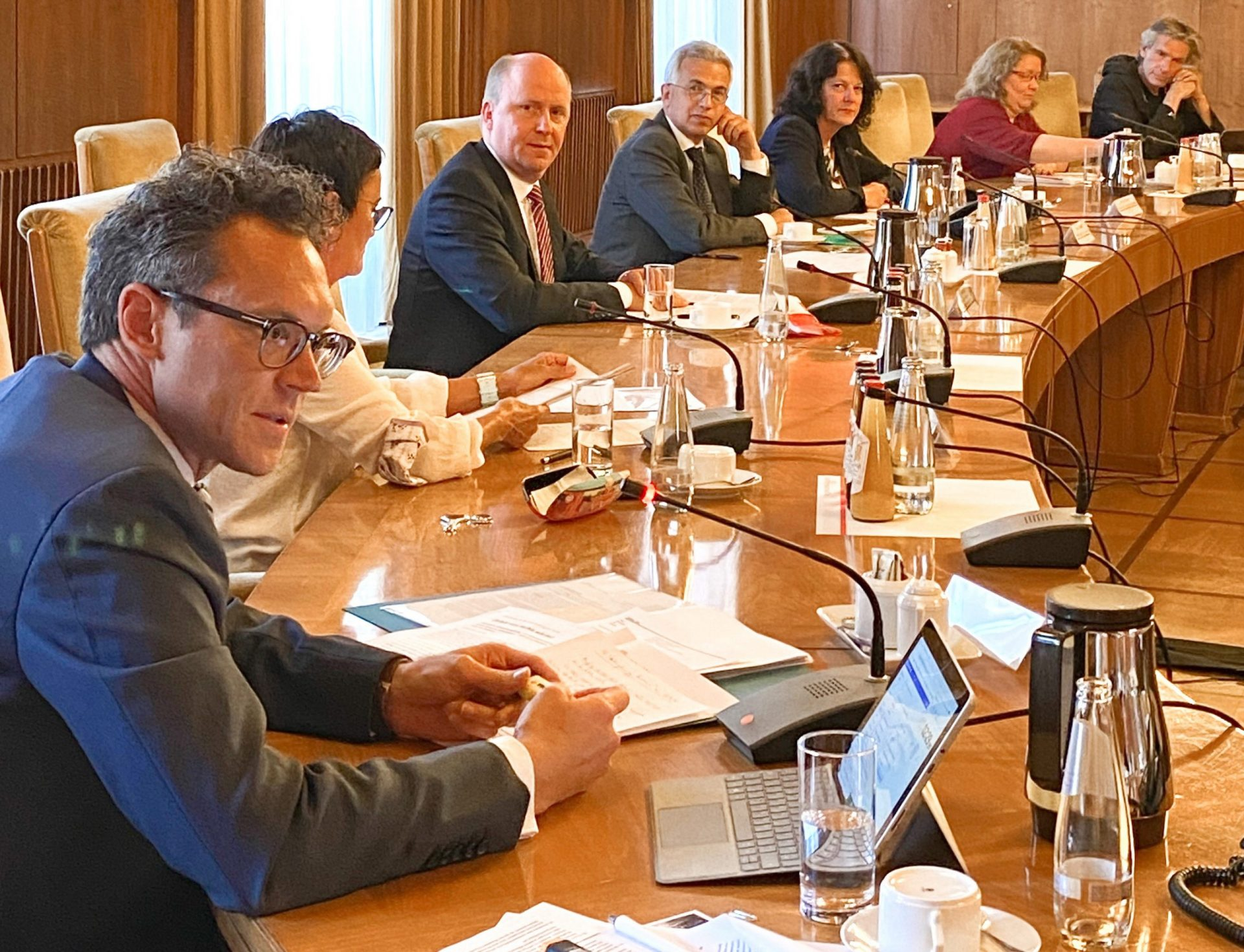 Pressekonferenz im Römer Magistrat und Fraktionsvorsitzende der Koalition