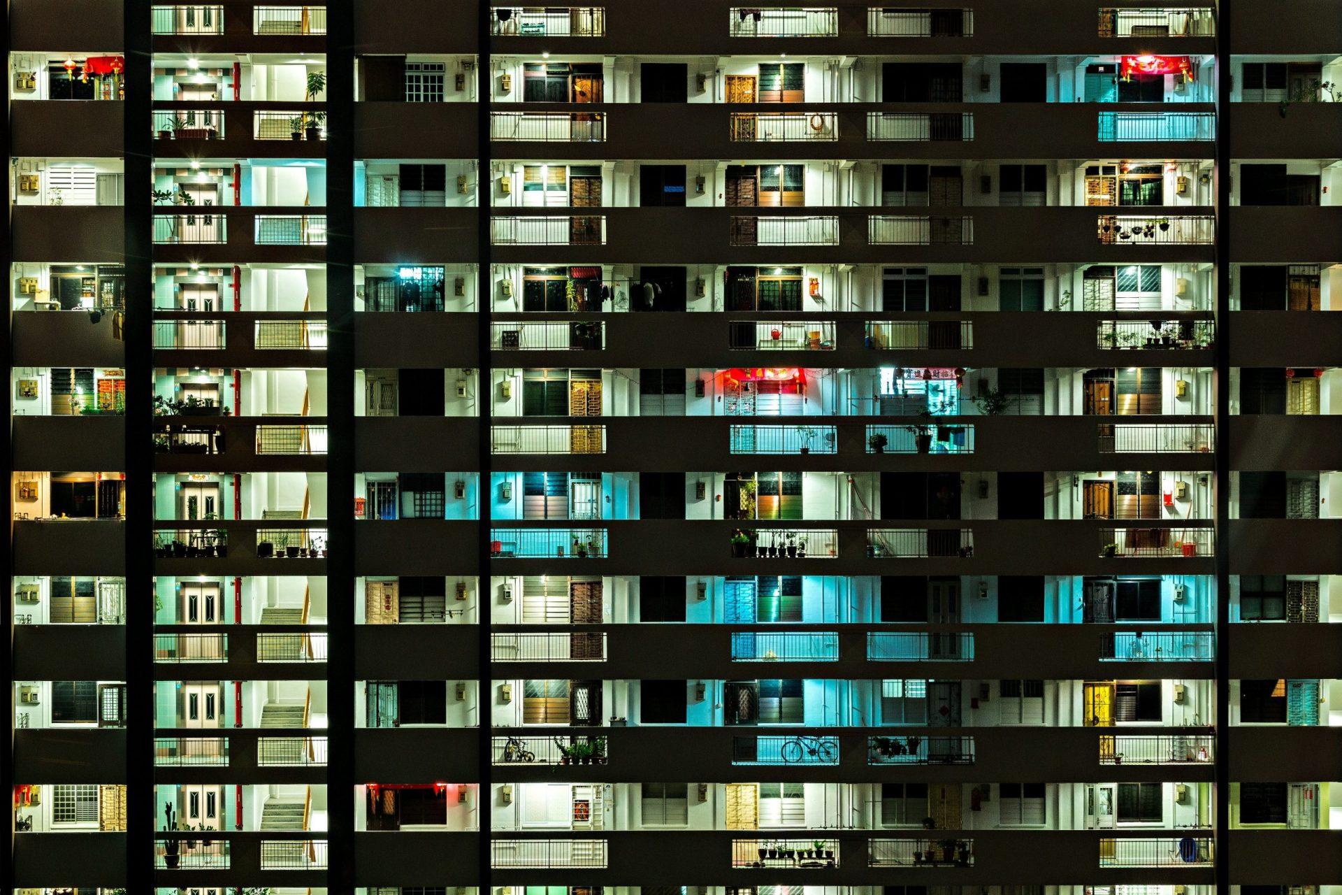 beleuchtete Balkone