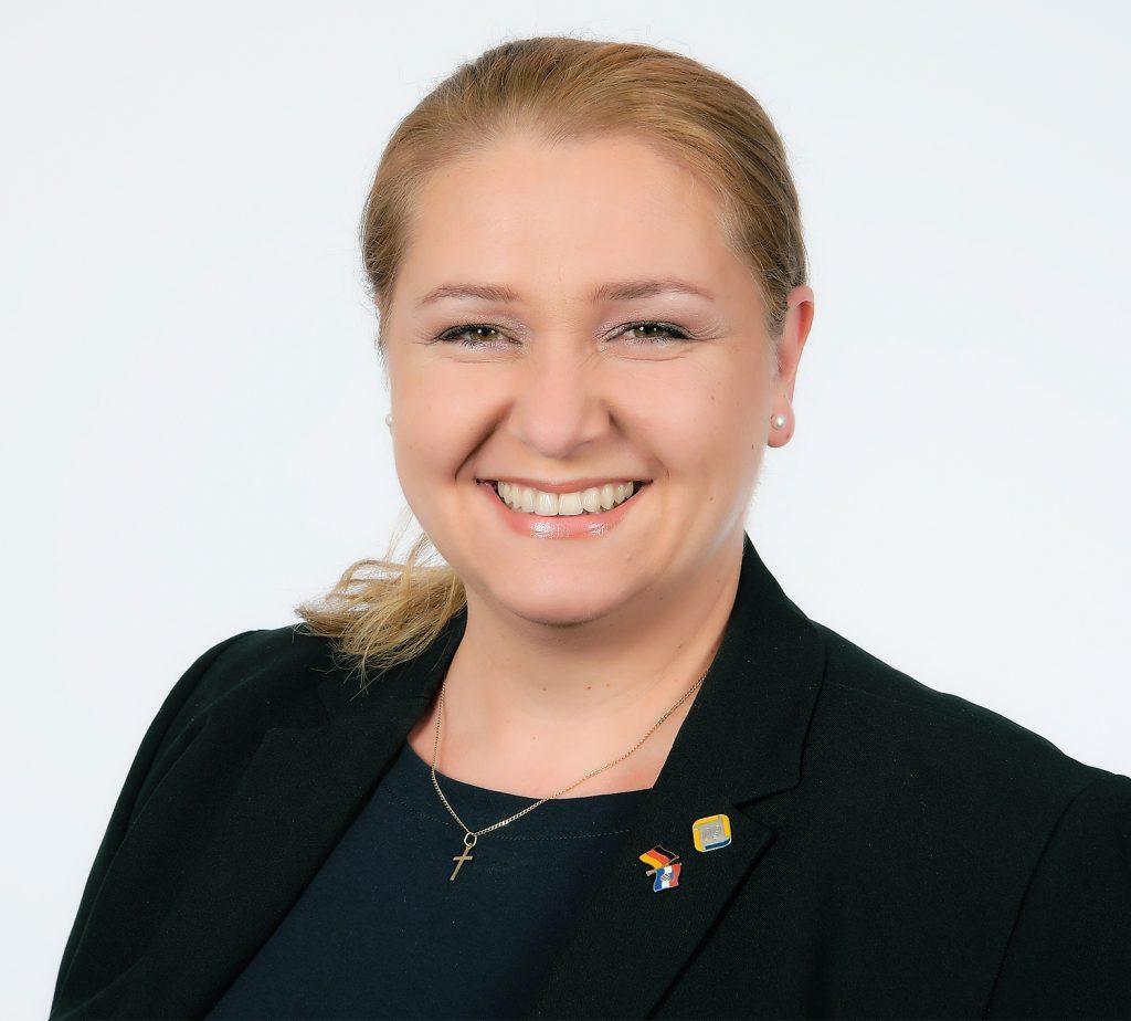 Anita Akmadza