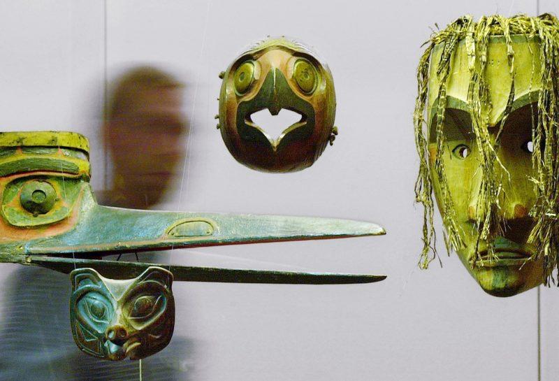 Indianermasken, aufgenommen am 05.11.2002 im Museum der Weltkulturen in Frankfurt/Main: Das Exponat gehört zur Ausstellung